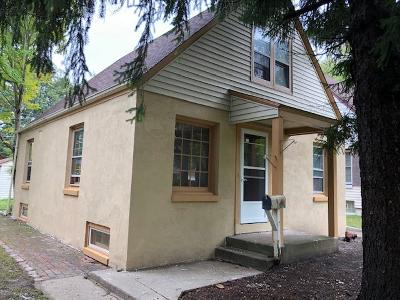 West Allis Single Family Home For Sale: 7139 W Stuth #Pl