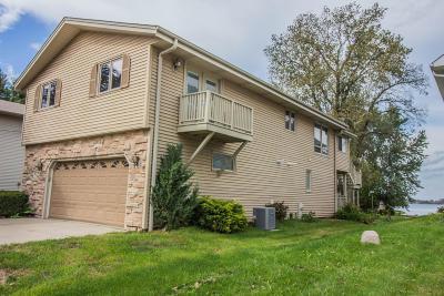 Racine County Single Family Home For Sale: 7416 E Wind Lake Rd