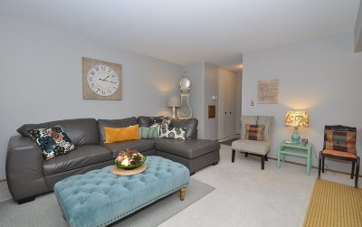 Greenfield Condo/Townhouse Active Contingent With Offer: 3125 W King Arthurs Ct