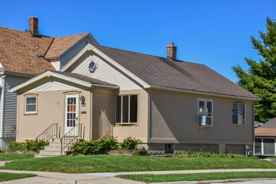 South Milwaukee Single Family Home For Sale: 900 Minnesota Ave