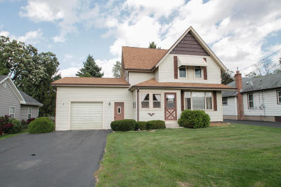 Hartland Single Family Home For Sale: N76w31312 County Road Vv
