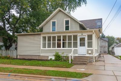 Oconomowoc Single Family Home Active Contingent With Offer: 618 W South St