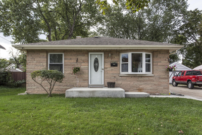 Waukesha County Single Family Home For Sale: 1105 Pearl St
