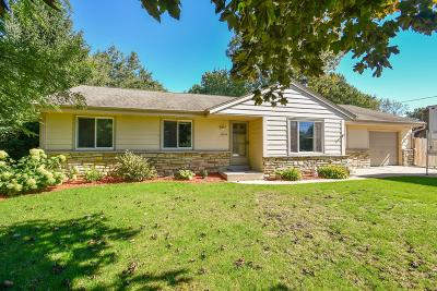 Oak Creek Single Family Home Active Contingent With Offer: 10248 S Nicholson Rd