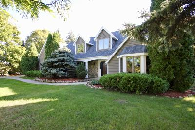 Brookfield Single Family Home For Sale: 2345 Sheraton Rd
