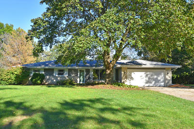 Muskego Single Family Home Active Contingent With Offer: W124s6414 Hawthorne Rd