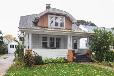 Milwaukee County Single Family Home For Sale: 4907 N Hollywood Ave