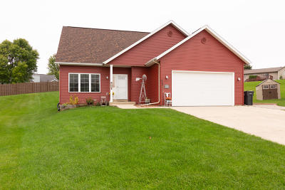 Mayville Single Family Home For Sale: 1701 Pine Ridge Ct