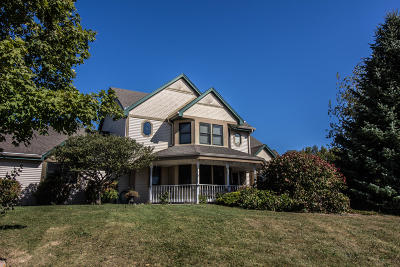 Mequon Single Family Home For Sale: 10631 N Wauwatosa Rd