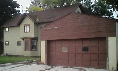 Single Family Home For Sale: 1227 S 8th St