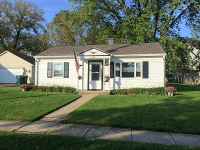 Fort Atkinson WI Single Family Home Active Contingent With Offer: $115,000