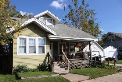 Racine Single Family Home For Sale: 2611 Douglas Ave