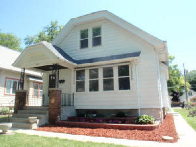 Wauwatosa Single Family Home For Sale: 2468 N 65th St