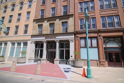 Milwaukee County Condo/Townhouse For Sale: 234 N Broadway #203