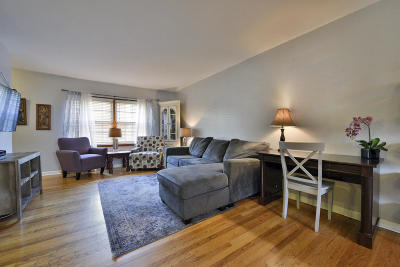 West Allis Condo/Townhouse Active Contingent With Offer: 3129 S 122nd St #22