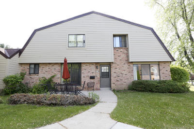 Milwaukee County Condo/Townhouse For Sale: 7237 W Wabash Ave