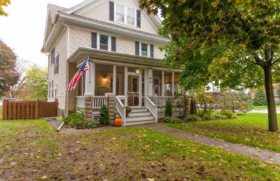 Watertown Single Family Home For Sale: 401 N Washington St