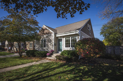 Whitefish Bay Single Family Home Active Contingent With Offer: 630 E Hampton Rd