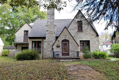 West Allis WI Single Family Home Active Contingent With Offer: $210,000