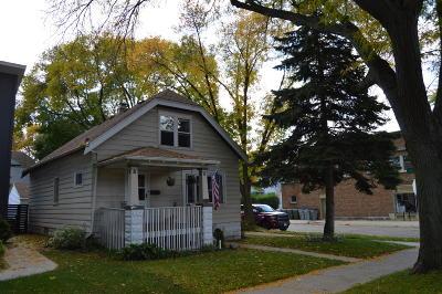 Milwaukee Single Family Home For Sale: 2603 E Oklahoma Ave