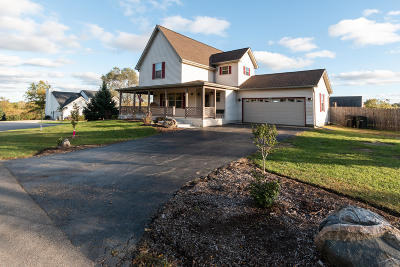 Lake Geneva Single Family Home Active Contingent With Offer: W3633 Lakeview Ave