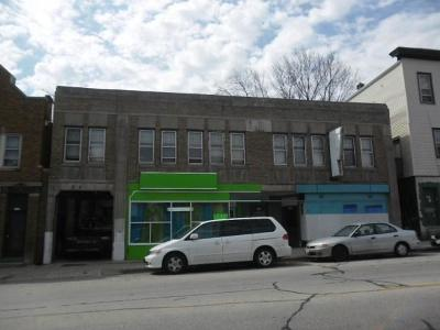 Milwaukee Multi Family Home For Sale: 3127 W Greenfield Ave