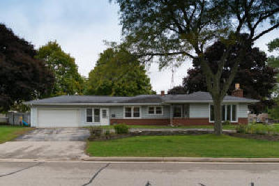 Mukwonago Single Family Home For Sale: 804 Park View Ln