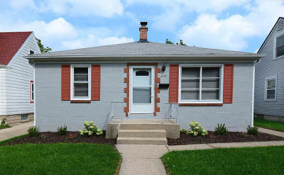 Milwaukee Single Family Home For Sale: 3344 S Springfield Ave