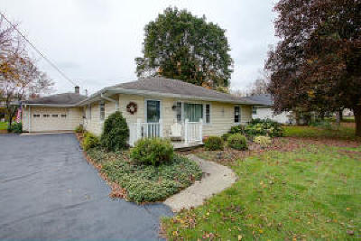 Hartland Single Family Home For Sale: 307 Hill St