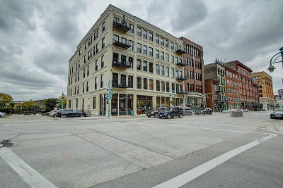Milwaukee Condo/Townhouse For Sale: 205 N Water St #204