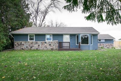 Menomonee Falls WI Single Family Home For Sale: $224,900