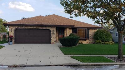 Kenosha County Single Family Home For Sale: 8109 64th Avenue