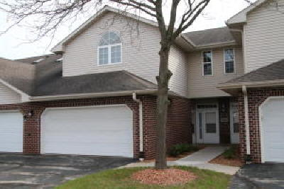 Milwaukee County Condo/Townhouse For Sale: 7883 S Scepter Dr #3