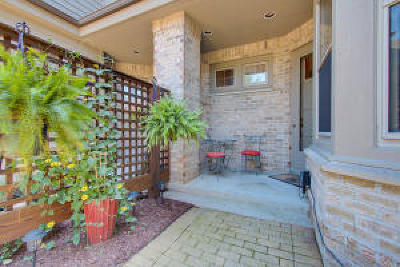 Brookfield Condo/Townhouse Active Contingent With Offer: 16755 Lake Rd #C
