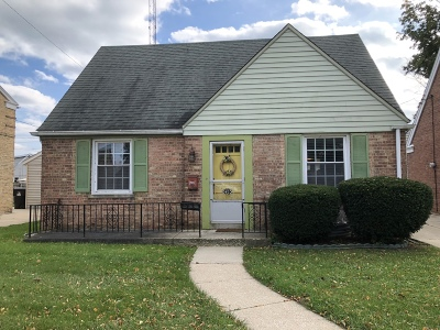 Racine Single Family Home For Sale: 2405 Gillen St