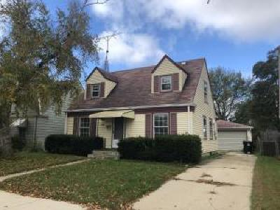 Racine Single Family Home For Sale: 2218 Hayes Ave