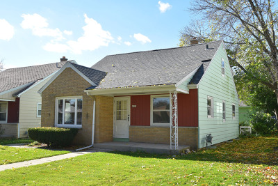 Milwaukee County Single Family Home For Sale: 4225 N 73rd St
