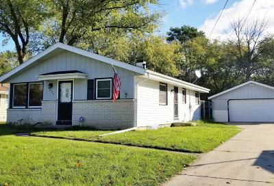 Milwaukee Single Family Home For Sale: 6880 N 45th