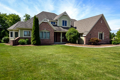 Hartland WI Single Family Home For Sale: $674,800