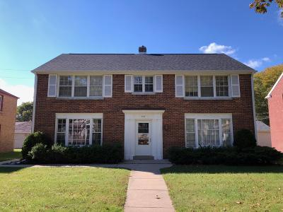 Milwaukee County Multi Family Home For Sale: 4849 N Mohawk Ave
