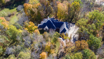 Slinger Single Family Home For Sale: 4441 Hartstone Dr