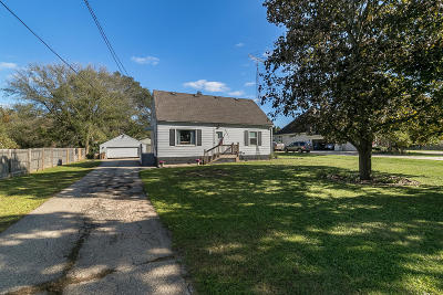 Pleasant Prairie Single Family Home For Sale: 9007 Cooper Rd