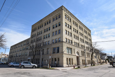 Milwaukee Condo/Townhouse For Sale: 904 E Pearson St #323