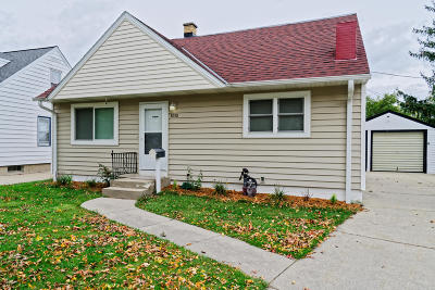 Milwaukee Single Family Home For Sale: 3030 S 62nd St