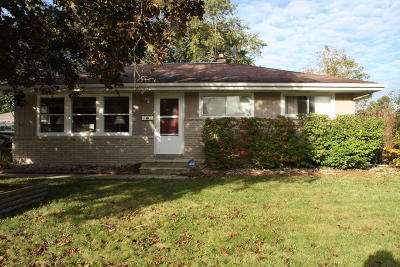 Milwaukee Single Family Home For Sale: 6683 N Hastings St