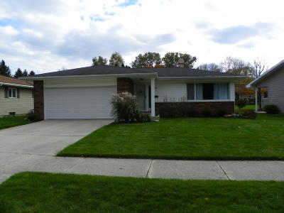 Sheboygan WI Single Family Home For Sale: $180,000