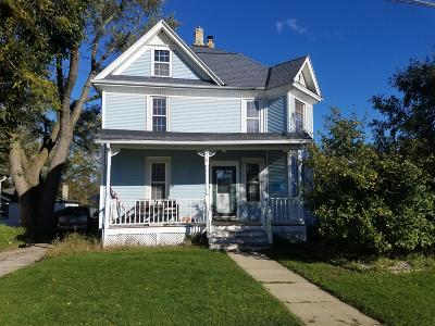 Waukesha County Single Family Home For Sale: 210 Jefferson Street