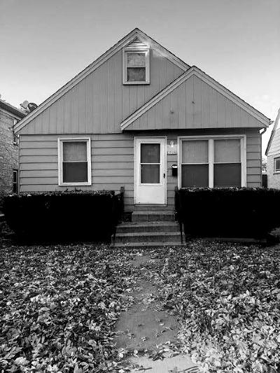 Milwaukee County Single Family Home For Sale: 3526 W Mitchell St