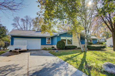 Waukesha County Single Family Home For Sale: 313 S University Dr