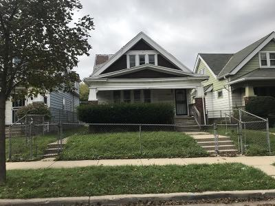 Milwaukee County Single Family Home For Sale: 3365 N 29th St.